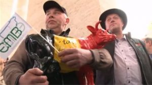 Les producteurs de lait plaident leur cause auprès du Pape